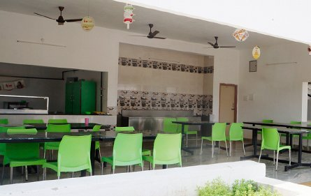 Cafeteria | Nammazhvar College of Agriculture and Technology